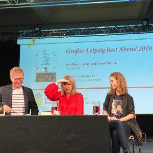 Jojo Moyes staunt über die Vielzahl von Fans, die in Leipzig zu ihrer Lesung gekommen sind