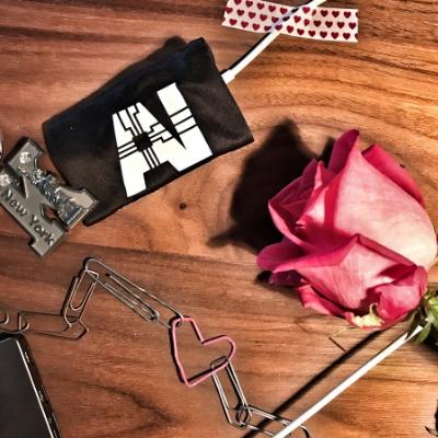 Wie bebildert man eine romantische Geschichte mit künstlicher Intelligenz?