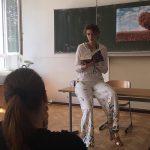 Alizée Korte während ihrer Lesung beim Wülfrather Lesemarathon
